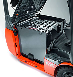 Making Your Workplace Safe For Changing Forklift Batteries
